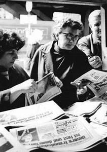 Zeitunglesen In Der DDR DDR Presse Beitraege Und