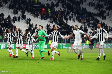Juventus celebrate at full-time following the Serie A ...