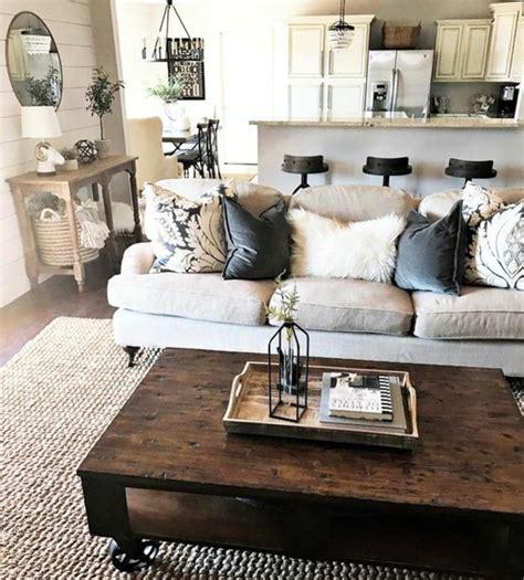 canap tissus gris 1001 conseils et idées pour aménager un salon rustique