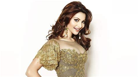 actress urvashi rautela wallpapers hd wallpapers id