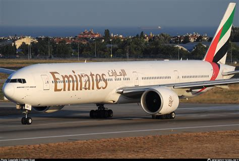 NEWS Emirates is to add a 6th daily flight to London ...