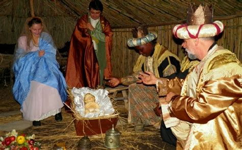 christmas market  living nativity scene  licola