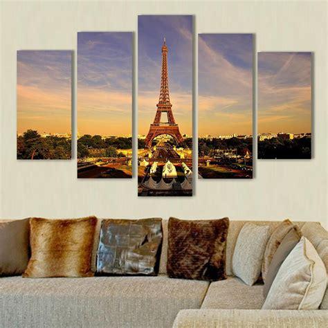 Eiffel Tower Living Room Decor [peenmedia]
