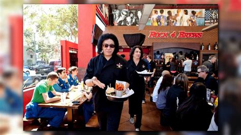 Kiss Members Offer Free Meals Tsa Employees During