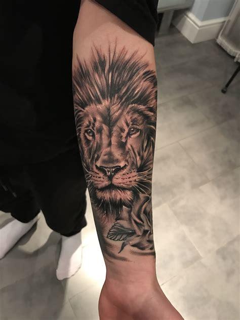 tattoo lion avant bras homme lion tatouages tatouage