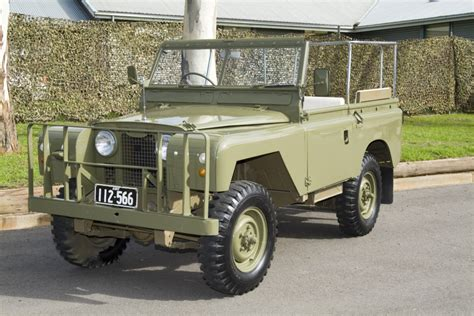land rover australian australian army ceremonial land rovers remlr