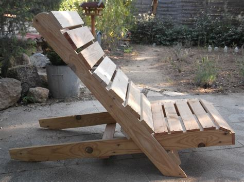 plan chaise de jardin en palette 22 meubles à faire avec des palettes en bois