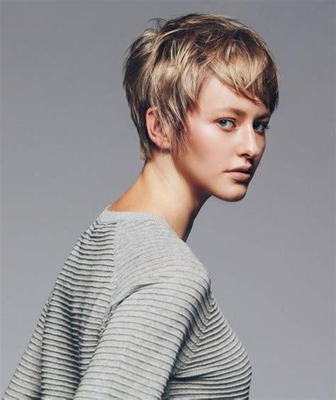 Kurze haare diese trend frisur passt zu deiner gesichtsform. Pixie Cut Haarschnitt: Pixie Frisuren für kurze Haare (2019)