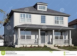 Porche Entrée Maison : maison grise avec le porche avant image stock image ~ Premium-room.com Idées de Décoration