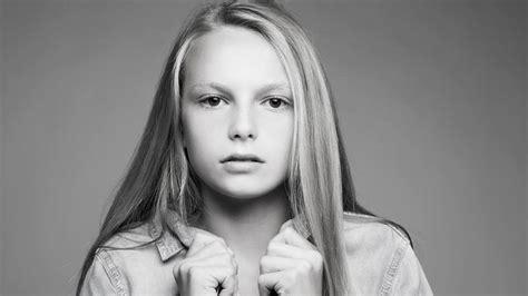 Transgender Model Alex 12 Wurde Als Junge Geboren