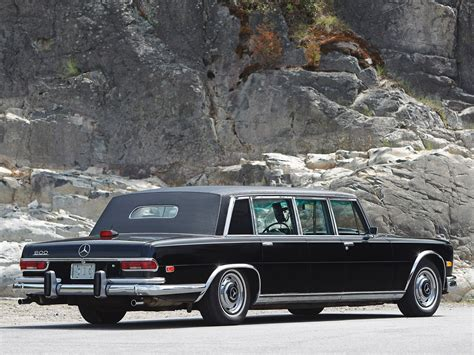 This fully armoured state limousine with a raised roof was produced in 1965 as a unique specimen for the company's own car fleet. MERCEDES BENZ 600 Pullman (V100) - 1964, 1965, 1966, 1967 ...