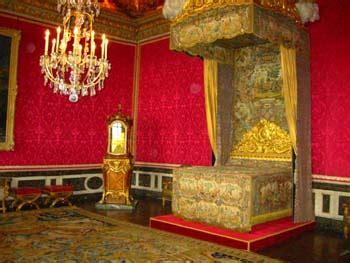 chambre louis xiv la chambre de louis xiv à versailles
