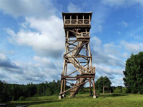 Latvijas muižas un pilis un citas interesantas vietas: Cieceres ezera skatu tornis