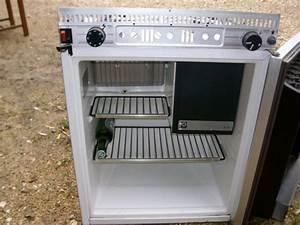 Prix D Un Frigo : frigo de caravane table de cuisine ~ Dailycaller-alerts.com Idées de Décoration