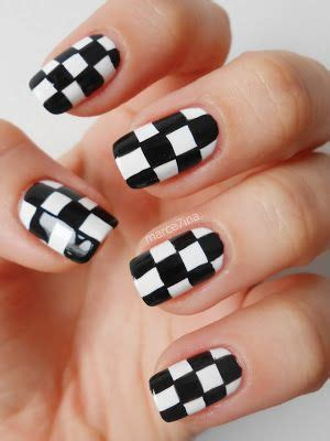 checkered nails black white diy nail art designs