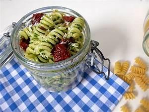 Salatbox Zum Mitnehmen : rezepte im glas zum mitnehmen gesundes essen und rezepte ~ A.2002-acura-tl-radio.info Haus und Dekorationen