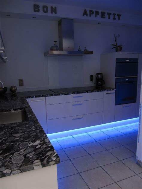 re led cuisine eclairage led bleu cuisine photo 17 21 eclairage led