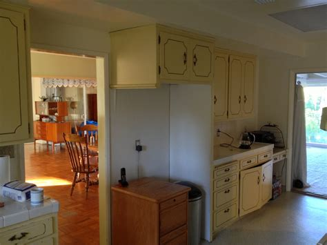 To Remove This Wall, Or Not Remove, For Kitchen Island