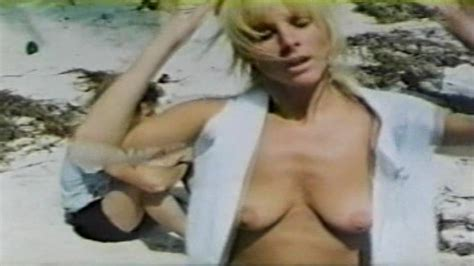 Naked Anna Bergman In Paradiso Blu