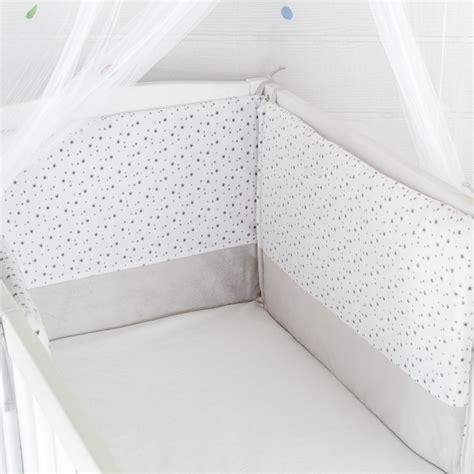 tour de lit bebe mixte linge de lit tour de lit b 233 b 233 mixte 233 toiles gris blanc kinousses kinousses