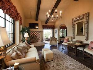 Living room design styles living room and dining room for Old style living room