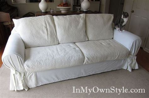 How To Make A Loveseat Slipcover by 25 Best Ideas About Sofa Covers On