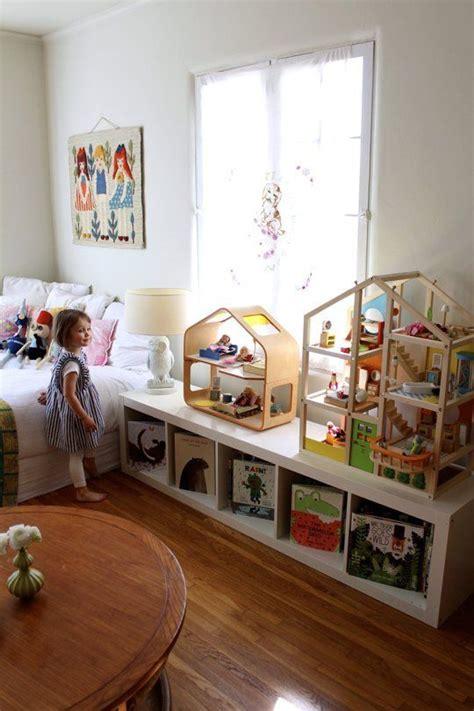 ways   style ikeas versatile expedit shelf