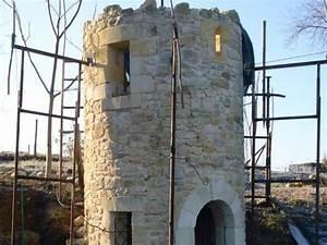 Construction En Pierre : edification de la tour de fontaine et sa corniche ~ Premium-room.com Idées de Décoration