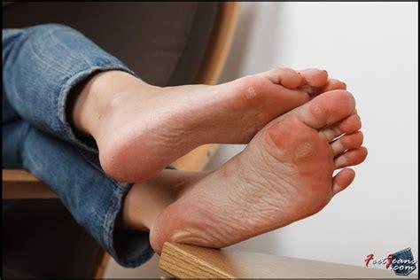 Alanna Feet Jeans 74 Photos