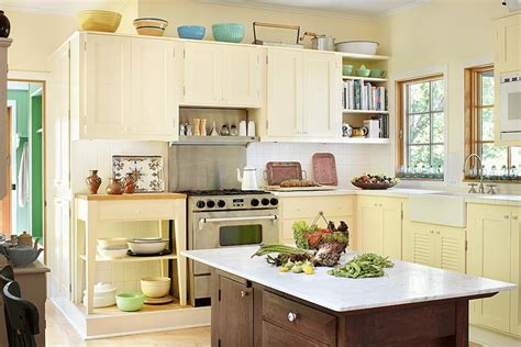 pale yellow kitchen with white cabinets www imgkid