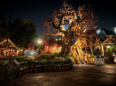 chip  dale treehouse toontown disneyland