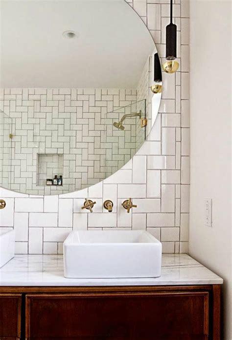 decorer la salle de bains avec  evier ceramique