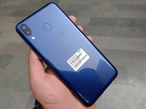 samsung galaxy m20 review power packed performer disguised as budget phone business standard news