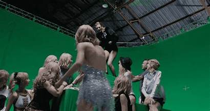 Taylor Swift Behind Scenes Learned Things Beano