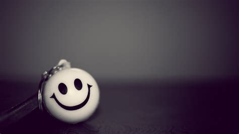 wallpaper  smiley smile bw keychain