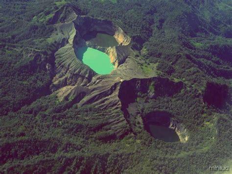 lugares incriveis lagos kelimutu  minilua