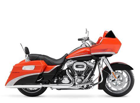 Review Harley Davidson Cvo Road Glide by 2009 Harley Davidson Cvo Road Glide Motorcycle Review