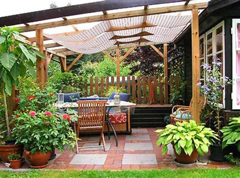 22 beautiful wooden garden designs to personalize backyard