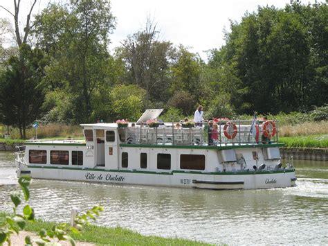 bateau promenade le ville de chalette chalette sur loing tourisme loiret