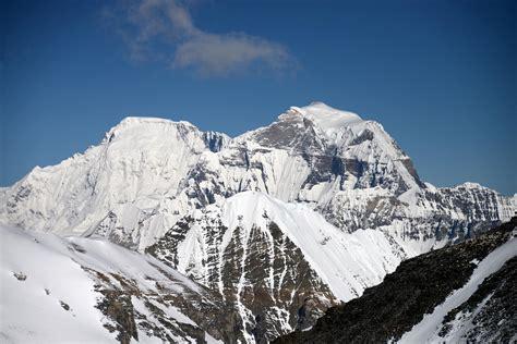 38 Cho Oyu And Gyachung Kang Close Up With Jiangbing Peak