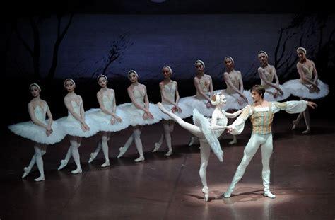 das stuttgarter ballett tanzt strawinsky stuttgarter ballett tanzt wieder schwanensee die das