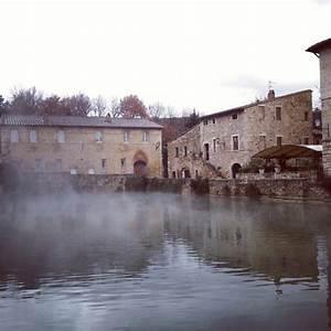 Bagno Vignoni Thermal Baths In Tuscany