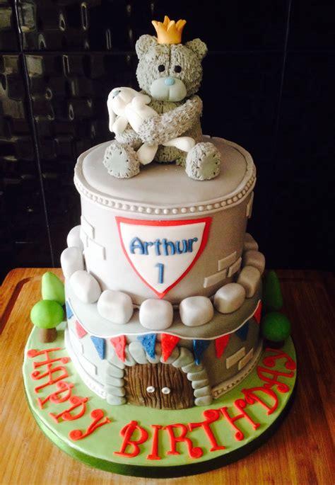 arthurs  birthday cake  king arthur themed