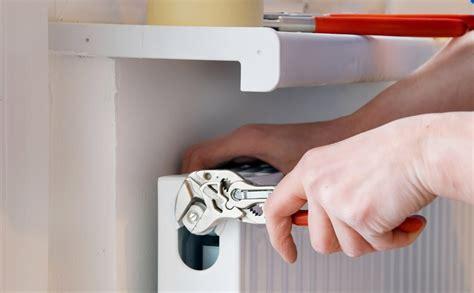 emploi cuisine suisse plombier suisse cout maison suisse with plombier suisse le plombier a d casser les wc pour