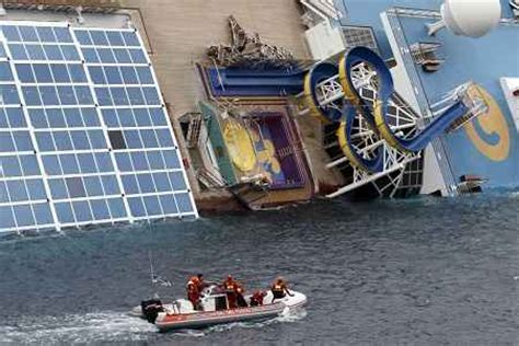 Boat Crash Captains Quarters by Costa Concordia Captain Blames Helmsman For Crash