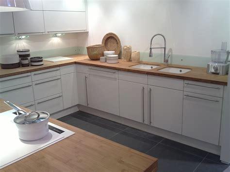 cuisine bois plan de travail blanc cuisine blanche avec plan de travail bois atlub com