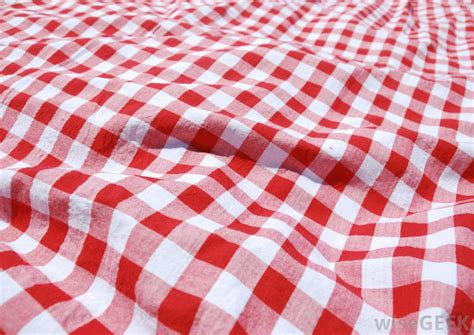 Tischdecke Kariert by What Should I Consider When Buying A Tablecloth
