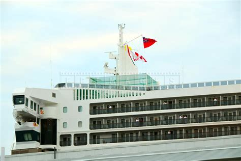 Rms Queen Mary 2 Enters Halifax Harbour On 175-th Cunard