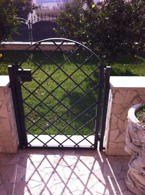 cancello giardino cancelletto pedonale con chiusura a chiave realizzato a roma
