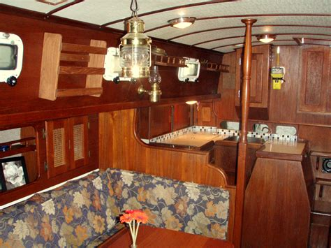 Living On A Boat Shower by Top 5 Reasons To Live On A Boat Asunto